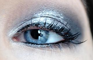 Maquillage argenté pour les fêtes